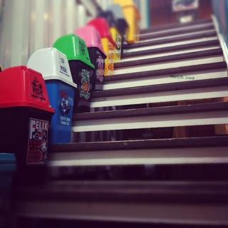 トレジャー階段ゴミ箱.JPG